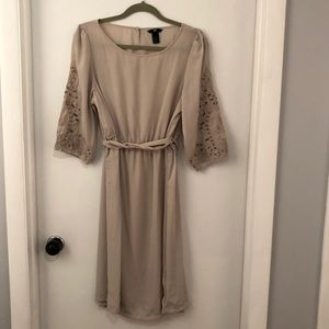 NWOT H&M Embroidered Sleeve Dress